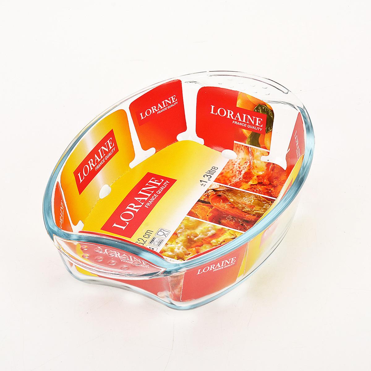 Жаровня Loraine, 1,3 л20669Овальная жаровня Loraine изготовлена из жаропрочного боросиликатного прозрачного стекла. Стеклянная посуда идеальна для запекания, так как стекло - это экологически чистый, износостойкий и долговечный материал, к которому не прилипает пища, в такой посуде пища сохраняет все свои полезные вещества и микроэлементы. Емкость идеальна для запекания в духовке птицы и мяса, для приготовления лазаньи, запеканки и даже пирогов. С жаровней Loraine вы всегда сможете порадовать своих близких оригинальной выпечкой. Подходит для использования в духовке при температуре до +400°С, в морозильной камере при температуре до -40°С. Можно использовать в микроволновой печи. Подходит для мытья в посудомоечной машине. Объем: 1,3 л. Размер жаровни (с учетом ручек): 26 см х 18 см. Высота стенки: 6 см.