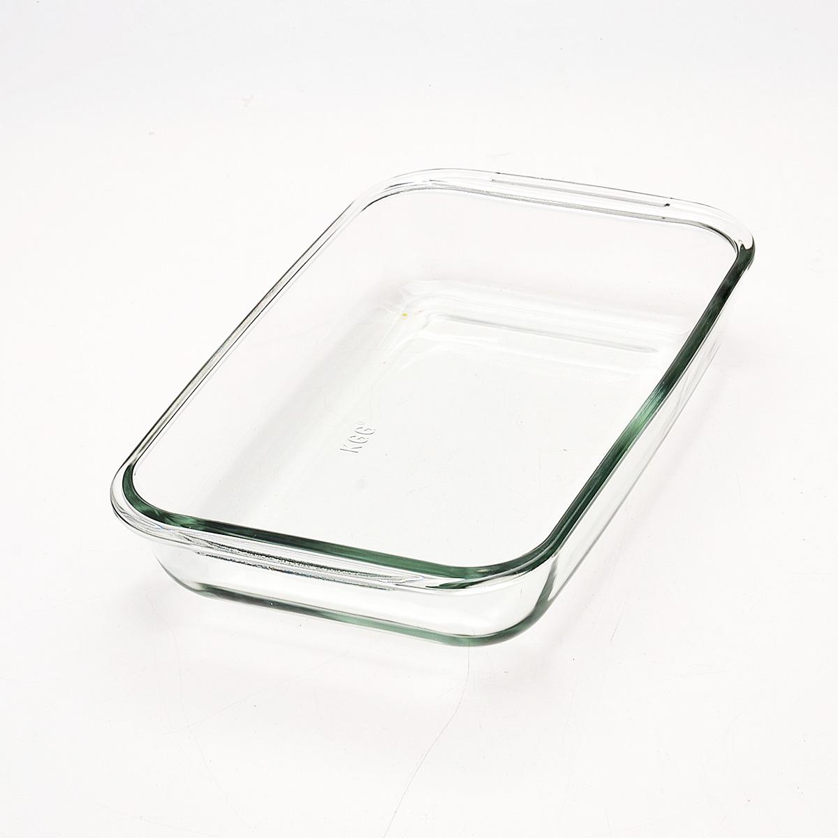 Жаровня Loraine, прямоугольная, 1,6 л20675Прямоугольная жаровня Loraine изготовлена из жаропрочного боросиликатного прозрачного стекла. Стеклянная посуда идеальна для запекания, так как стекло - это экологически чистый, износостойкий и долговечный материал, к которому не прилипает пища, в такой посуде пища сохраняет все свои полезные вещества и микроэлементы. Емкость идеальна для запекания в духовке птицы и мяса, для приготовления лазаньи, запеканки и даже пирогов. С жаровней Loraine вы всегда сможете порадовать своих близких оригинальной выпечкой. Подходит для использования в духовке при температуре до +400°С, в морозильной камере при температуре до -40°С. Можно использовать в микроволновой печи. Подходит для мытья в посудомоечной машине. Размер (с учетом ручек): 29,6 см х 17,9 см. Размер (без учета ручек): 26 см х 16,5 см. Высота стенки: 5 см.