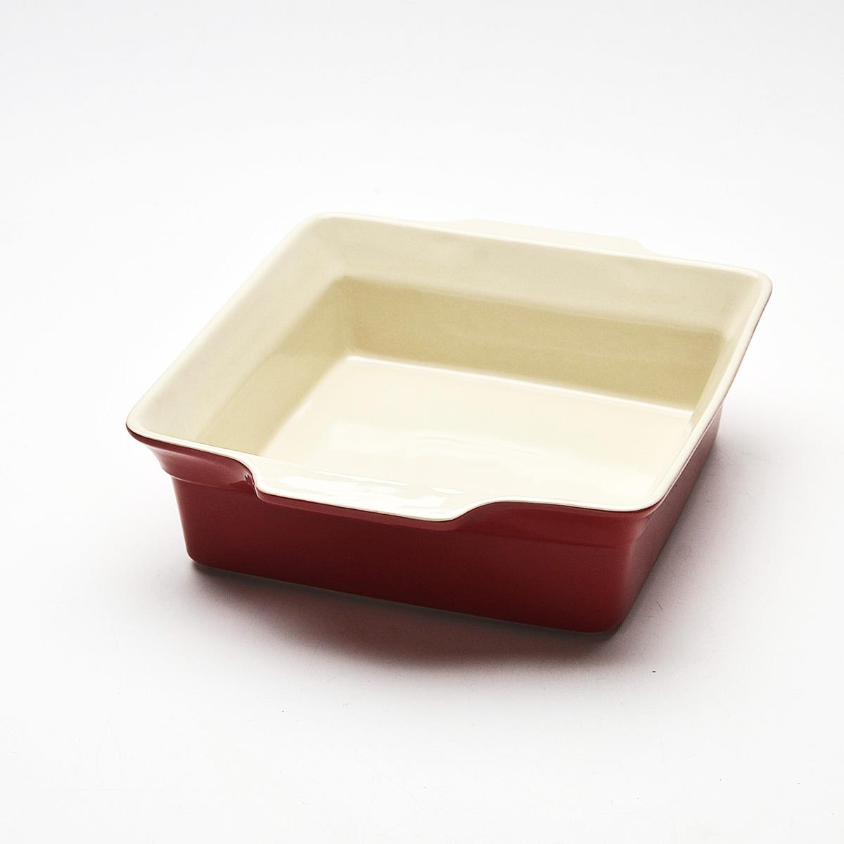 Противень Mayer & Boch, квадратный, цвет: красный, 30,5 см х 26 см. 2181621816Противень Mayer & Boch изготовлен из высококачественной керамики. Керамика не содержит вредных примесей ПФОК, что способствует здоровому и экологичному приготовлению пищи. Незаменимый атрибут для приготовления запеканок, всевозможных блюд из мяса и овощей, а также выпечки из теста и изысканных кондитерских блюд. Противень оснащен удобными глиняными ручками. Подходит для чистки в посудомоечной машине. Не применять абразивные чистящие средства. Не использовать жесткие щетки. Высота стенок противня: 8 см. Толщина стенок противня: 6-7 мм. Толщина дна противня: 6-7 мм. Размер противня (с учетом ручек): 30,5 см х 26 см.