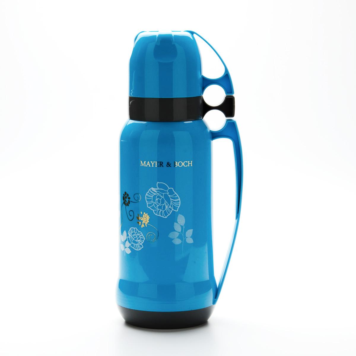 Термос Mayer & Boch, цвет: голубой, 1,8 л21649Пищевой термос с узким горлом Mayer & Boch изготовлен из высококачественного пластика и алюминия и декорирован цветочным рисунком. Термос предназначен для хранения горячих и холодных напитков и укомплектован откручивающейся пробкой без кнопки. Такая пробка надежна, проста в использовании и позволяет дольше сохранять тепло благодаря дополнительной теплоизоляции. Изделие также оснащено крышкой- чашкой, дополнительной чашкой и пластиковой ручкой для удобной переноски термоса. Термос отлично подходит для использования дома, в школе, на природе, в походах и т.д. Легкий и прочный термос Mayer & Boch сохранит ваши напитки горячими или холодными надолго.