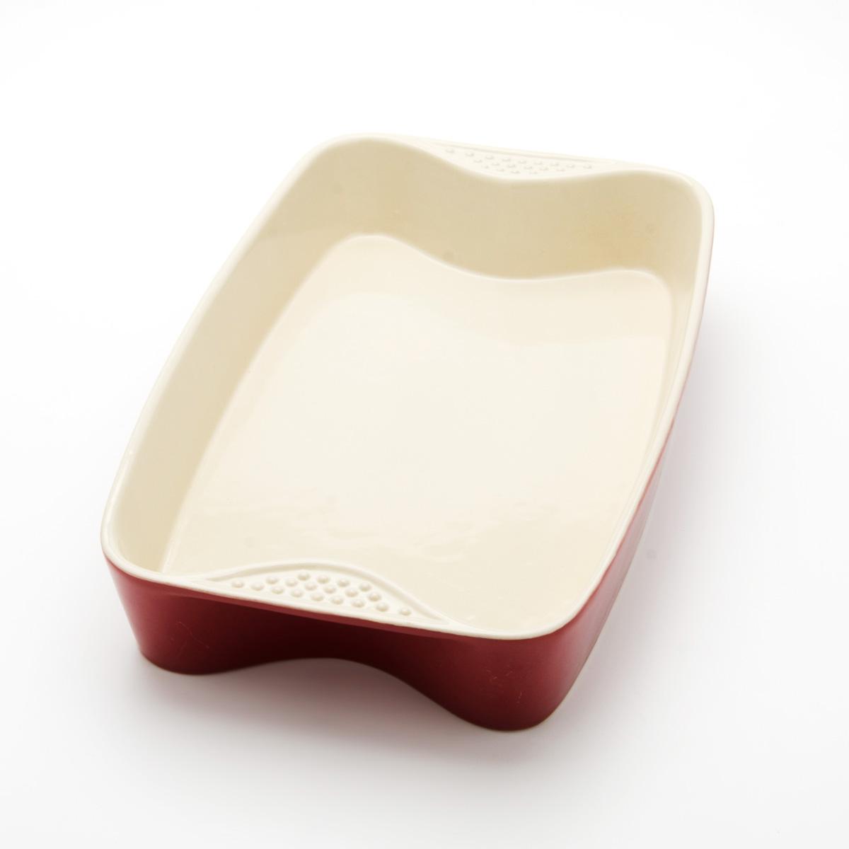 Противень Mayer & Boch, прямоугольный, цвет: красный, 33 см х 21 см х 5 см21762Противень Mayer & Boch изготовлен из высококачественной керамики и подходит для любого вида пищи. Элегантный дизайн идеально подходит для современного дома. Пища, приготовленная в керамической посуде, сохраняет свои вкусовые качества, и благодаря экологической чистоте материала, не может нанести вред здоровью человека. Керамика - один из самых лучших материалов, который удерживает тепло, медленно и равномерно его распределяет. Максимальный нагрев - 400°С. С таким противнем вы всегда сможете порадовать своих близких оригинальным блюдом. Противень можно использовать в микроволновой печи и духовом шкафу, замораживать в холодильнике. Можно мыть в посудомоечной машине. Размер противня (ДхШхВ): 33 см х 21 см х 5 см. Толщина стенок: 6-7 мм.