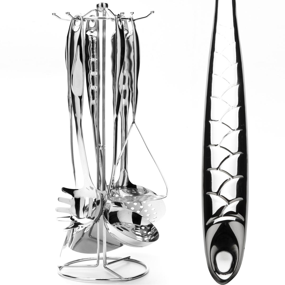 Набор кухонных принадлежностей Mayer & Boch, 7 предметов. 2379423794Набор кухонных принадлежностей Mayer & Boch выполнен из высококачественной нержавеющей стали c зеркальной поверхностью. Набор состоит из ложки для спагетти, половника, шумовки, ложки, лопатки с прорезями, картофелемялки и подставки. Все кухонные принадлежности имеют петельку с помощью которой можно подвесить на подставку с крючками. Эксклюзивный дизайн, эстетичность и функциональность набора позволят ему занять достойное место среди кухонного инвентаря. Набор пригоден для мытья в посудомоечной машине.