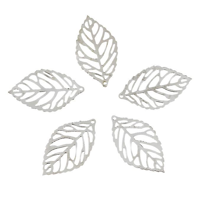 Декоративный элемент Астра Лист, цвет: серебристый, 35 мм х 20 мм, 5 шт7703988Набор Астра Лист состоит из 5 декоративных элементов, изготовленных из металла в виде листочков. С их помощью вы сможете украсить, альбом, одежду, подарок и другие предметы ручной работы. Все декоративные элементы в наборе имеют оригинальный и яркий дизайн.