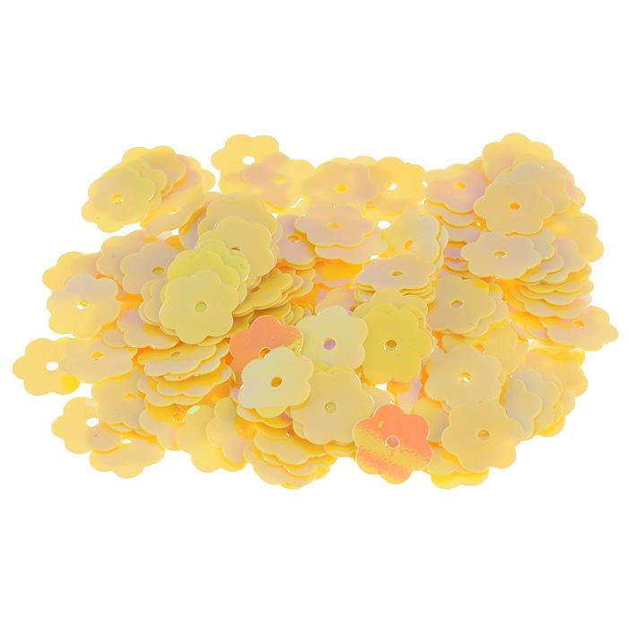 Пайетки Астра Цветочки, с перламутром, цвет: желто-лимонный (91), 10 мм, 10 г. 7700474_917700474_91Пайетки Астра Цветочки с перламутром представляют собой блёстки, плоские чешуйки в форме цветка, изготовленные из пластика с отверстием для продевания нитки. Они позволят изыскано украсить любую вещь, идеальны для декора сценических костюмов, создания стилизованной одежды.