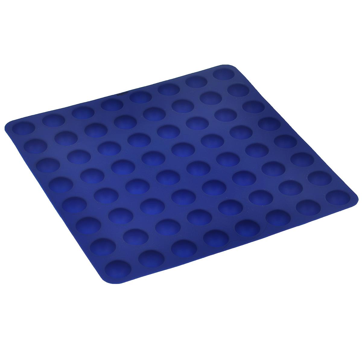 Форма для выпечки Bekker Колобки, цвет: синий, 64 ячейкиBK-9415Форма для выпечки Bekker Колобки изготовлена из силикона - материала, который выдерживает температуру от -40°С до +230°С. Изделия из силикона очень удобны в использовании: пища в них не пригорает и не прилипает к стенкам, форма легко моется. Приготовленное блюдо можно очень просто вытащить, просто перевернув форму, при этом внешний вид блюда не нарушится. Изделие обладает эластичными свойствами: складывается без изломов, восстанавливает свою первоначальную форму. Форма содержит 64 ячейки круглой формы. Порадуйте своих родных и близких любимой выпечкой. Подходит для приготовления в микроволновой печи и духовом шкафу при нагревании до +230°С; для замораживания до -40°С и чистки в посудомоечной машине. Рекомендации по использованию: - не помещайте форму непосредственно на источник тепла (открытый огонь, гриль), - не используйте нож для резки продуктов в форме, - не используйте CRISP функцию при приготовлении в микроволновой печи, - не...
