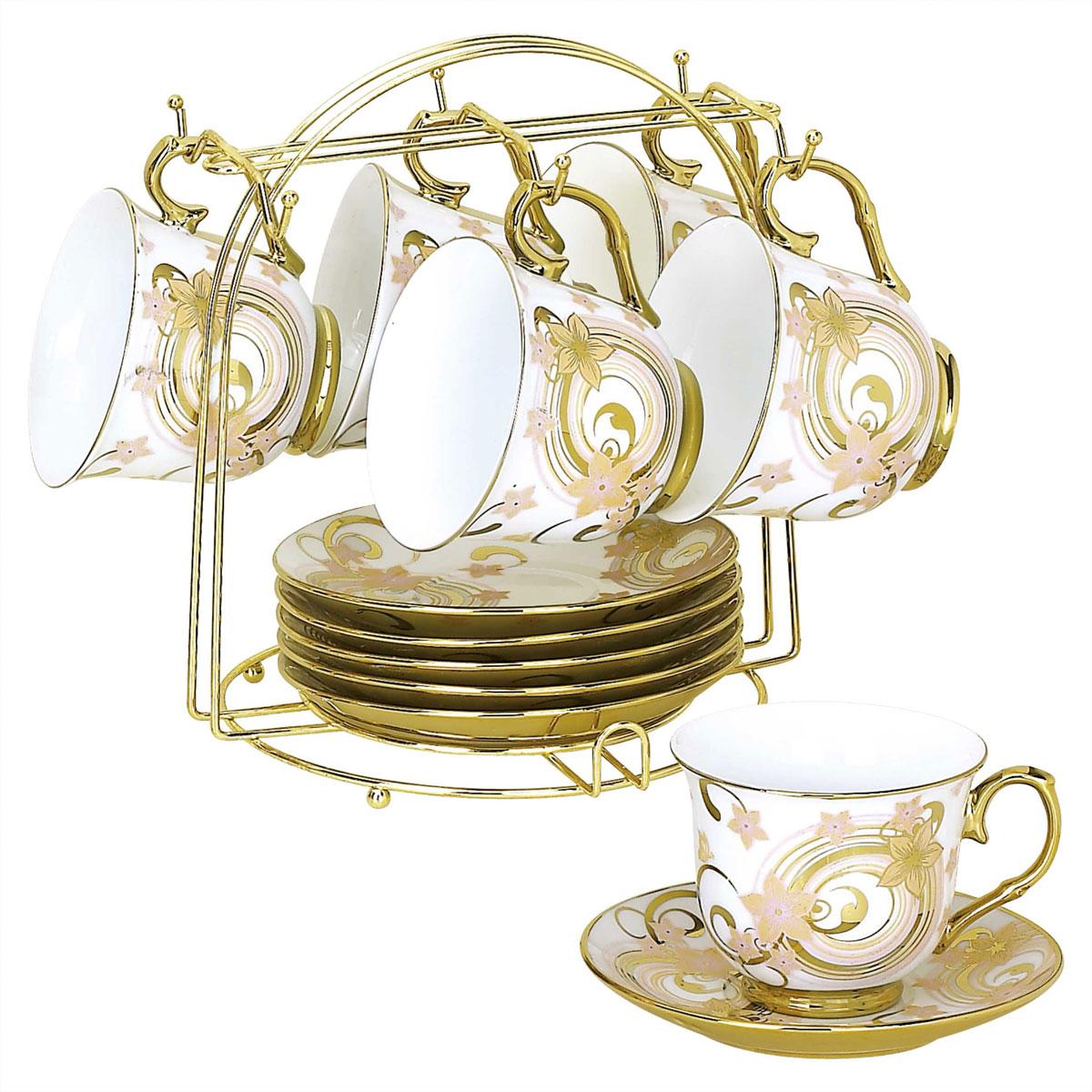 Набор чайный Bekker, 13 предметов. BK-5921 (8)BK-5921 (8)Чайный набор Bekker состоит из шести чашек и шести блюдец. Предметы набора изготовлены из высококачественного фарфора и украшены золотистой эмалью. Яркий цветочный орнамент придает набору изысканный внешний вид. В комплекте - металлическая хромированная подставка золотистого цвета с шестью крючками для подвешивания кружек и подставкой для блюдец. Чайный набор яркого и в тоже время лаконичного дизайна украсит интерьер кухни. Прекрасно подойдет как для торжественных случаев, так и для ежедневного использования. Подходит для мытья в посудомоечной машине.