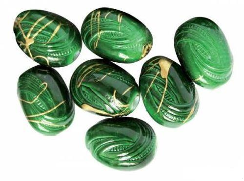 Бусины Астра, цвет: зеленый (6-4), 18 мм х 14 мм, 14 шт. 7701034_6-47701034_6-4Набор бусин Астра, изготовленный из пластика, позволит вам своими руками создать оригинальные ожерелья, бусы или браслеты. Бусины оригинального и яркого дизайна в виде камней оснащены рельефными поверхностями. Изготовление украшений - занимательное хобби и реализация творческих способностей рукодельницы, это возможность создания неповторимого индивидуального подарка.