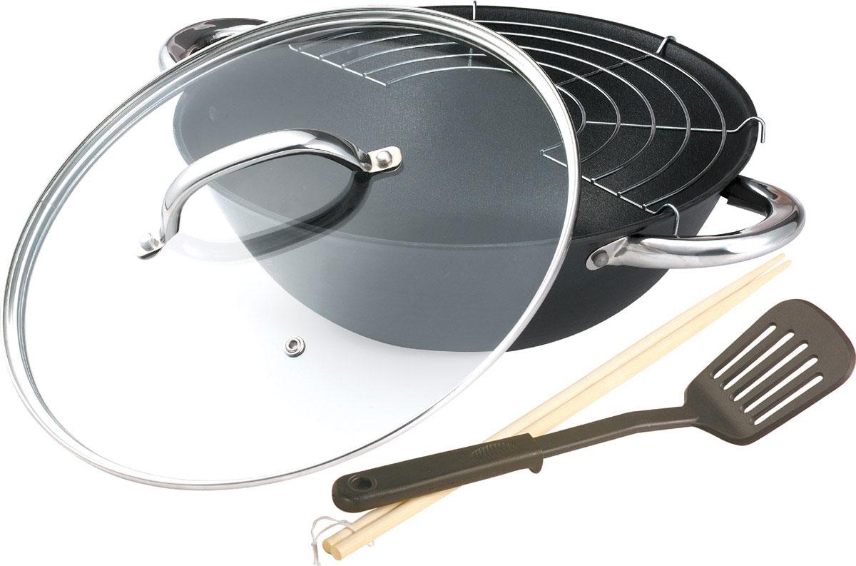 Котелок чугунный Bekker Koch с крышкой, с антипригарным покрытием, с палочками, решеткой-барбекю и лопаткой, цвет: черный. Диаметр 32 смBK-644Котелок Bekker Koch изготовлен из чугуна. Котелок идеально подходит для приготовления вкусных тушеных блюд. Котел оснащен двумя прочными ручками из нержавеющей стали. Крышка изготовлена из жаропрочного стекла и оснащена отверстием для выпуска пара и металлическим ободом. Такая крышка позволяет следить за процессом приготовления пищи без потери тепла. Она плотно прилегает к краю котла, сохраняя аромат блюд. В комплект также входит металлическая решетка, лопатка с антипригарным покрытием и две деревянные палочки. Чугун является традиционным высокопрочным, экологически чистым материалом. Причем, чем дольше и чаще вы пользуетесь этой посудой, тем лучше становятся ее свойства. Высокая теплоемкость чугуна позволяет ему сильно нагреваться и медленно остывать, а это, в свою очередь, обеспечивает равномерное приготовление пищи. Чугун не вступает, в какие либо химические реакции с пищей в процессе приготовления и хранения, а плотное покрытие - безупречное...