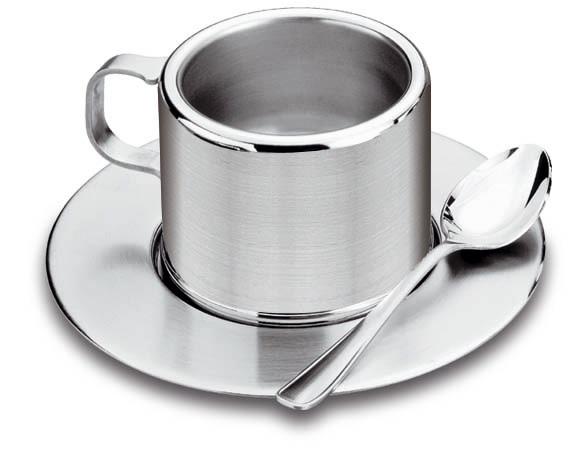 Чайная пара Tramontina, 3 предмета64470/860-TRНабор чайный Tramontina состоит из чашки, блюдца и ложки. Изделия выполнены из высококачественной нержавеющей стали. Двойные стенки чашки сохранят температуру вашего напитка более длительное время. Красивый чайный набор изысканно оформит стол к чаепитию и удивит ваших гостей своим изяществом и качеством исполнения. Можно использовать в посудомоечной машине.