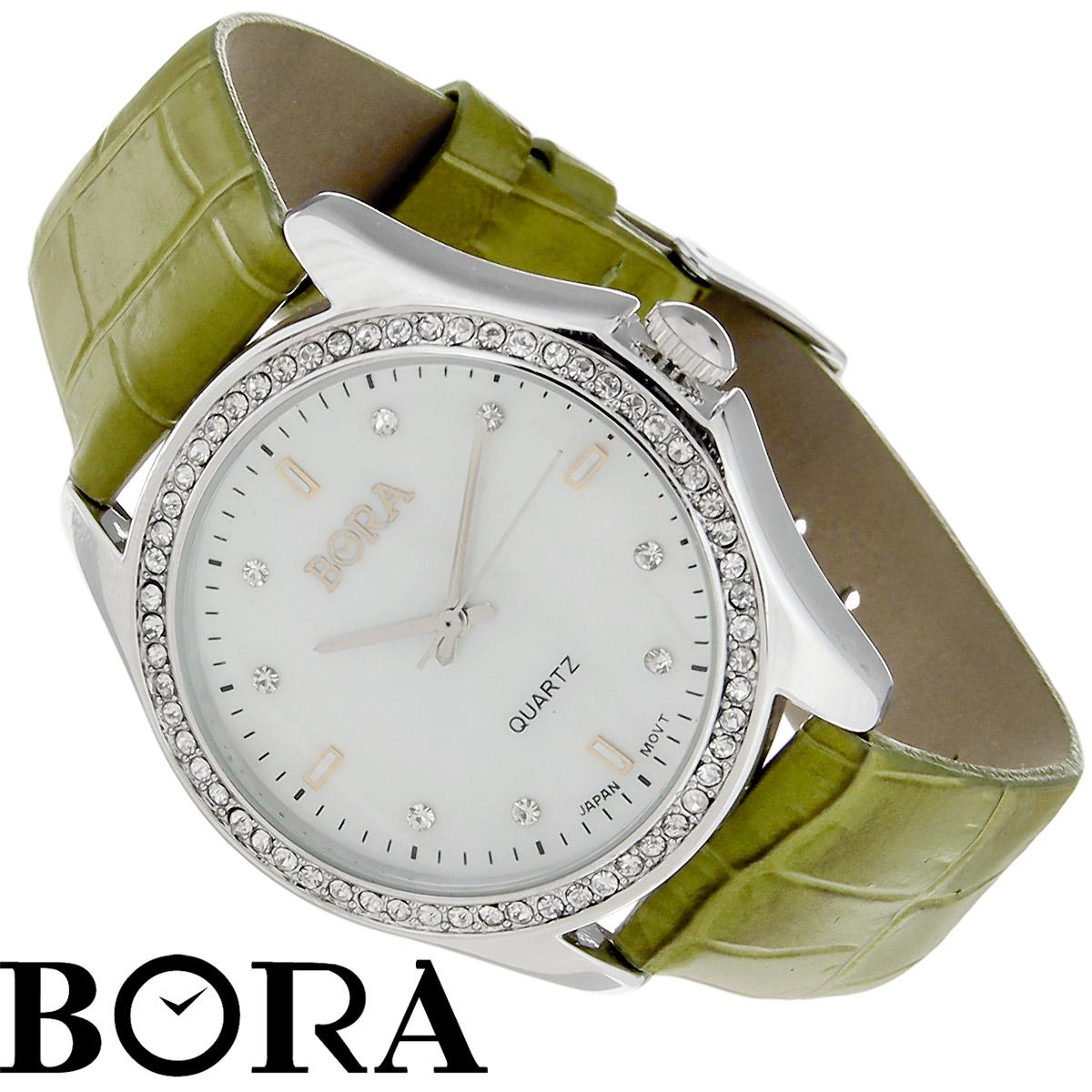 Часы женские наручные Bora, цвет: оливковый, серебристый. T-B-8535T-B-8535-WATCH-SL.OLIVEНаручные женские часы Bora произведены опытными специалистами из материалов самого высокого качества на базе новейших технологий. Часы оснащены японским кварцевым механизмом. Корпус часов выполнен из нержавеющей стали с PVD-покрытием и по контуру циферблата оформлен кристаллами Swarovski. Циферблат из натурального перламутра декорирован накладными знаками и кристаллами Swarovski. Ремешок изготовлен из натуральной кожи с тиснением. Часы Bora придадут вашему образу нотку изысканности и элегантности. Характеристики: Диаметр циферблата: 3 см. Ширина ремешка: 1,6 см. Длина ремешка (с учетом корпуса): 22,5 см. Размер корпуса часов: 3,6 см х 4,1 см х 0,8 см.