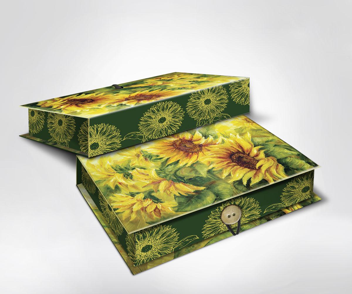 Подарочная коробка Подсолнухи, 20 см х 14 см х 6 см36505Подарочная коробка Подсолнухи выполнена из плотного картона. Крышка оформлена ярким изображением подсолнухов. Коробка закрывается на пуговицу. Подарочная коробка - это наилучшее решение, если вы хотите порадовать ваших близких и создать праздничное настроение, ведь подарок, преподнесенный в оригинальной упаковке, всегда будет самым эффектным и запоминающимся. Окружите близких людей вниманием и заботой, вручив презент в нарядном, праздничном оформлении.