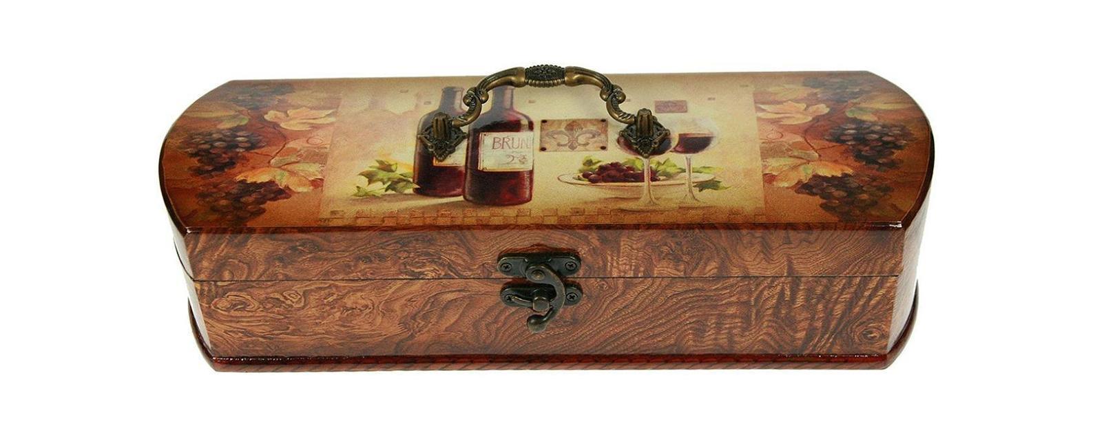 Шкатулка Сундучок под бутылку 36*12*10см 3476134761Шкатулка Русские подарки Сундучок 34761 предназначена для хранения бутылок с вином. Она не оставит равнодушным ни одного любителя оригинальных вещей. Данная модель надежно закрывается на металлический замок. Сочетание оригинального дизайна и функциональности делает такую вещь практичным, стильным подарком и предметом гордости ее обладателя.