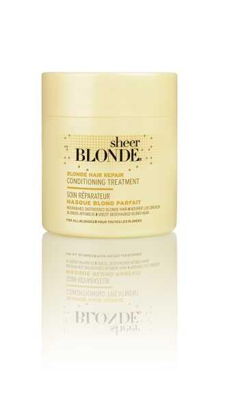 John Frieda Маска для интенсивного ухода за светлыми волосами, 150 млjf213340Интенсивно восстанавливает структуру и сияние светлых волос. Интенсивно восстанавливает поврежденную структуру волос, возвращает волосам силу и естественный блеск. Маска для интенсивного восстановления светлых волос HI-IMPACT интенсивно питает и укрепляет сильно поврежденные волосы после окрашивания. Применение: Начните уход с использования шампуня интенсивного действия для восстановления светлых волос HI-IMPACT, нанесите маску от корней до самых кончиков влажных волос. Оставьте маску на 3-5 минут для наилучшего действия и восстановления, затем тщательно ополосните волосы. НЕ ОКРАШИВАЕТ ВОЛОСЫ. *Использование безопасно для натуральных, окрашенных и мелированных волос.