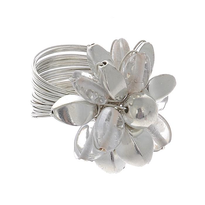 Кольцо Ethnica, цвет: серебряный, белый. 6035006035_3Изысканное кольцо Ethnica изготовлено из металла и оформлено крупным декоративным элементом в форме цветка. Лепестки исполнены из металла и пластика. Это эффектное украшение внесет изюминку в ваш модный образ, а также позволит всегда выглядеть неотразимо.