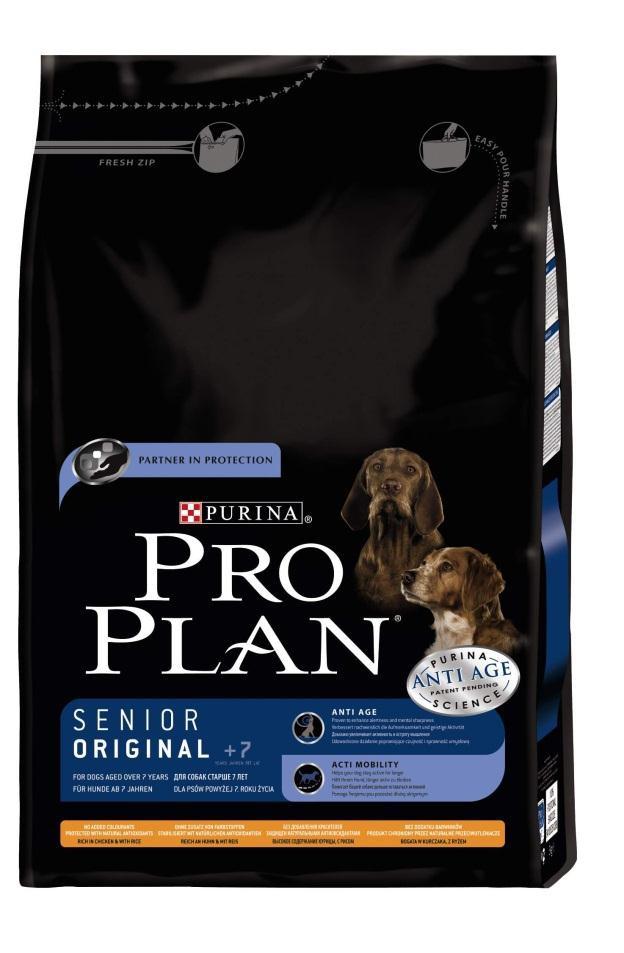 Корм сухой Pro Plan Senior для собак старше 7 лет, курица с рисом, 3 кг12150396Сухой корм Pro Plan Senior - полнорационный корм для собак старше 7 лет. Содержит исключительные ингредиенты, которые увеличивают активность и мысленную остроту. Ваша собака будет более чуткой и внимательной к окружающей обстановке, что приведет к тесной связи между вами и вашим питомцем. Состав: курица (14%), сухой белок птицы, кукурузный глютен, пшеница, кукуруза, рис (12%), мякоть свеклы, растительное масло, вкусоароматическая кормовая добавка, пшеничный глютен, хлорид калия, животные жиры, рыбий жир, фосфат кальция, минеральные вещества, хлорид натрия, L- лизин, антиокислители (токоферолы натурального происхождения). Анализ: белок: 29%, жир: 15%, сырая зола: 6,5%, сырая клетчатка: 2%. Добавки на кг: витамин А: 32 450; витамин D3: 1050; витамин Е: 730 мг/кг; железо: 175; йод: 2,8; медь: 45; марганец: 45; цинк: 375. Товар сертифицирован.