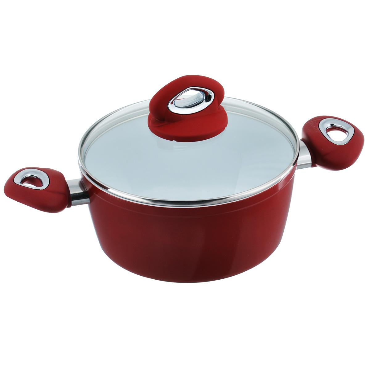 Кастрюля Bialetti с крышкой, с керамическим покрытием, цвет: красный, 2,5 лBL 104 RКастрюля Bialetti изготовлена из тяжело анодированного алюминия - металла прочнее стали, который обладает отличными антипригарными свойствами и высокой теплопроводностью. Вам потребуется меньше времени и меньший температурный режим для готовки, т.к. эко посуда нагревается быстрее и сильнее, чем традиционная. При производстве посуды Bialetti не используются опасные для окружающей среды компоненты (такие как PFOA), имеющие длительный период распада. Особо прочное керамическое покрытие Aeternum предотвращает пригорание пищи и обеспечивает ее легкое приготовление. Кроме того, покрытие обладает жиро- и водоотталкивающими свойствами, поэтому легко чистится. Удобные ручки выполнены из бакелита с прорезиненным покрытием. Крышка изготовлена из жаропрочного стекла. Внешние стенки покрыты жаропрочной эмалью красного цвета. Самым неожиданным станут впечатления от цвета посуды - пожарьте мясо или картошку на белоснежной керамической посуде хоть один раз, и вы...