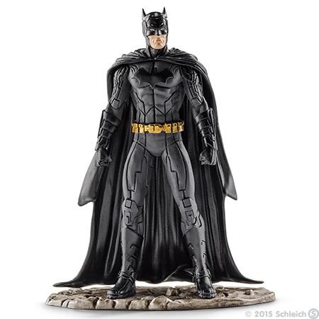 Schleich Фигурка Бэтмен22501Фигурка Schleich Бэтмен станет прекрасным подарком для вашего ребенка. Великолепно детализированная фигурка супергероя изготовлена из каучукового пластика. Такая фигурка непременно понравится вашему ребенку, а также привлечет внимание взрослых коллекционеров, и станет замечательным украшением любой коллекции. Восхитительная фигурка сделает игры в супергероев еще увлекательнее и интереснее! У игрушки есть широкое основание, благодаря которому она прочно стоит на различных поверхностях. Бэтмен вновь готов спасти Готэм Сити! Для этого он облачился в свой черный облегающий костюм, набросил на плечи плащ и надел на лицо маску для того, чтобы никто не смог узнать его. В своем прекрасном облачении он спешит на помощь жителям города Готэм.