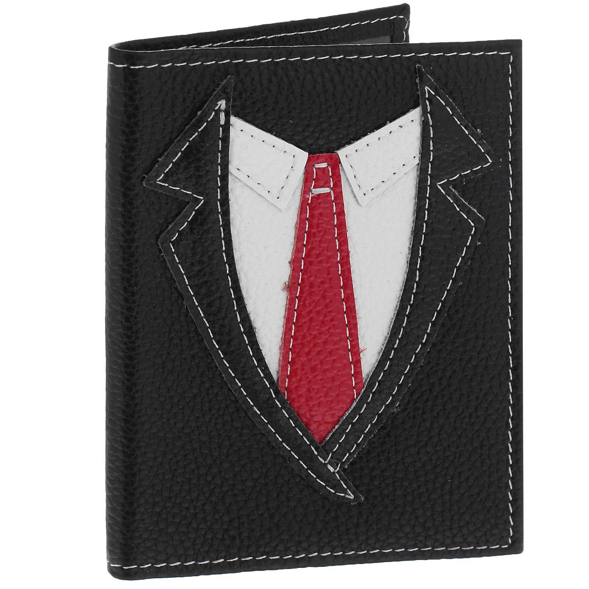 Обложка для паспорта Cheribags, цвет: черный. OP-2OP-2Оригинальная обложка для паспорта Cheribags изготовлена из натуральной высококачественной кожи. Лицевая сторона оформлена аппликацией в виде рубашки с галстуком. Внутри - два прозрачных боковых кармана из пластика, которые прочно зафиксируют ваш паспорт. Модная обложка для паспорта не только поможет сохранить внешний вид вашего документа и защитить его от повреждений, но и станет стильным аксессуаром, который прекрасно дополнит ваш образ.