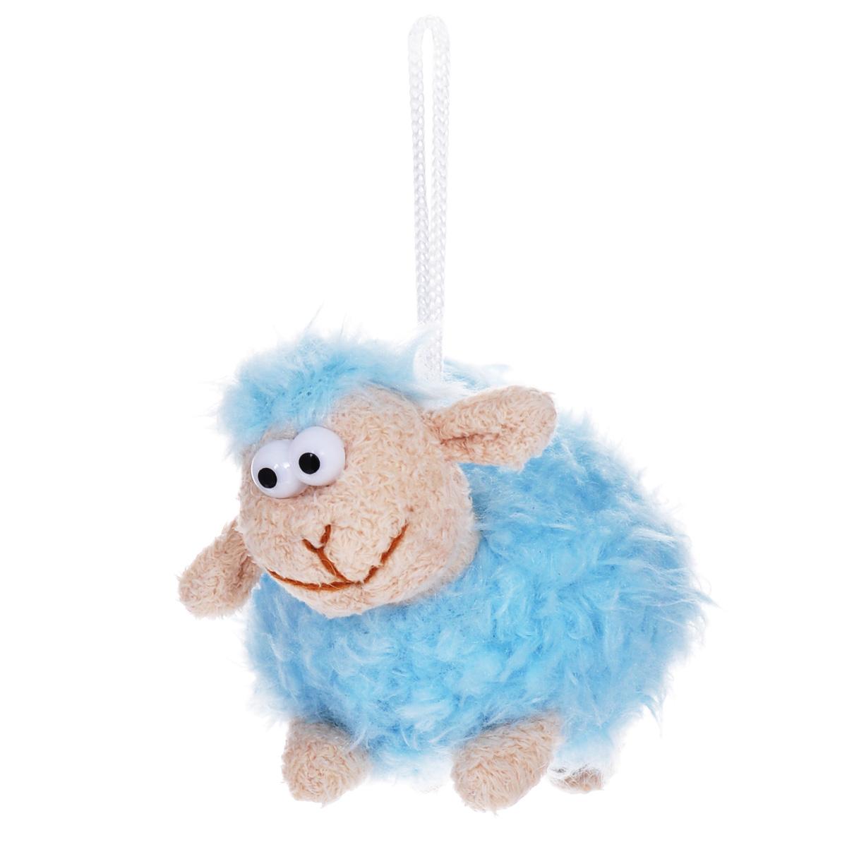 Мягкая игрушка-подвеска Sima-land Овечка, цвет: голубой, 8 см. 332801332801Очаровательная мягкая игрушка-подвеска Sima-land Овечка не оставит вас равнодушным и вызовет улыбку у каждого, кто ее увидит. Игрушка выполнена из искусственного меха и текстиля в виде забавной овечки с выпуклыми глазами. К игрушке прикреплена текстильная петелька для подвешивания. Мягкая и приятная на ощупь игрушка станет замечательным подарком, который вызовет массу положительных эмоций. Размер игрушки: 115 мм х 70 мм х 80 мм.