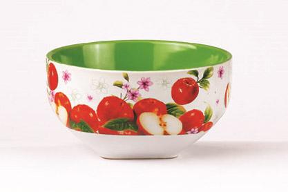 Салатник Яблоко, 510 млSXT M15-2Салатник Яблоко изготовлен из высококачественной керамики и декорирован ярким изображением спелых яблок. Он прекрасно впишется в интерьер вашей кухни и станет достойным дополнением к кухонному инвентарю. Такой салатник не только украсит ваш кухонный стол и подчеркнет прекрасный вкус хозяйки, но и станет отличным подарком. Можно использовать в посудомоечной машине и микроволновой печи. Объем салатника: 510 мл. Диаметр салатника: 13 см. Высота салатника: 7 см.