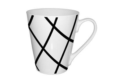 Кружка Shenzhen Moreroll Геометрия, 310 мл, цвет: белый. MR-0611-2MR-0611-2Кружка Геометрия, выполненная из высококачественного фарфора, декорирована изображением геометрических фигур. Изделие оснащено удобной ручкой. Кружка сочетает в себе оригинальный дизайн и функциональность. Благодаря такой кружке пить напитки будет еще вкуснее. Кружка Геометрия согреет вас долгими холодными вечерами. Можно использовать в посудомоечной машине и микроволновой печи. Объем: 310 мл. Диаметр (по верхнему краю): 9 см. Высота кружки: 10 см.