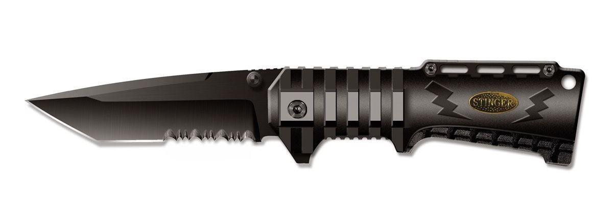 Нож складной Stinger SA-574B, цвет: черный, 9 см6900000431856Складной нож Stinger SA-574B образец недорогого, но очень качественного изделия. Тип лезвия American Tanto. Эти клинки, далекие потомки самурайских ножей, стали сейчас очень популярны. Эта форма лезвия часто используется в боевых ножах. Открывается нож с помощью шпынька на лезвии или экстрактора на обухе. Фиксирование ножа осуществляется при помощи замка Liner Lock. Это несомненно, самый простой и один из самых надежных средст фиксации. По своей сути, это пластина, которая при открытии входит в выемку у основания лезвия и надежно запирает его. Чтобы закрыть нож надо просто сдвинуть пластину пальцем в бок. Все просто, ломаться практически нечему. Надежность замка зависит только от прочности запирающей пластины. В открытом состоянии нож фиксируется, что значительно повышает травмобезопасность. Рукоятка профилирована и имеет боковые накладки из анодированного алюминия, повышающие надежность и удобство хвата.