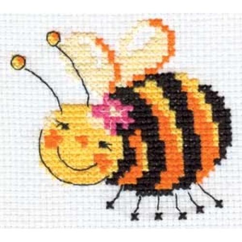 Набор для вышивания крестом Алиса Я лечу!, 8 х 8 см661068Набор для вышивания крестиком Алиса Я лечу! позволит вам создать собственными руками красивую картинку. Набор включает в себя все материалы, необходимые для работы: - канва Aida Gamma (17 см х 17 см); - нитки-мулине Gamma (5 цветов); - цветная схема; - игла Gamma; - инструкция. Красивый и стильный рисунок-вышивка выглядит оригинально и всегда модно. Работа, сделанная своими руками, создаст особый уют и атмосферу в доме, и долгие годы будет радовать ваших близких.
