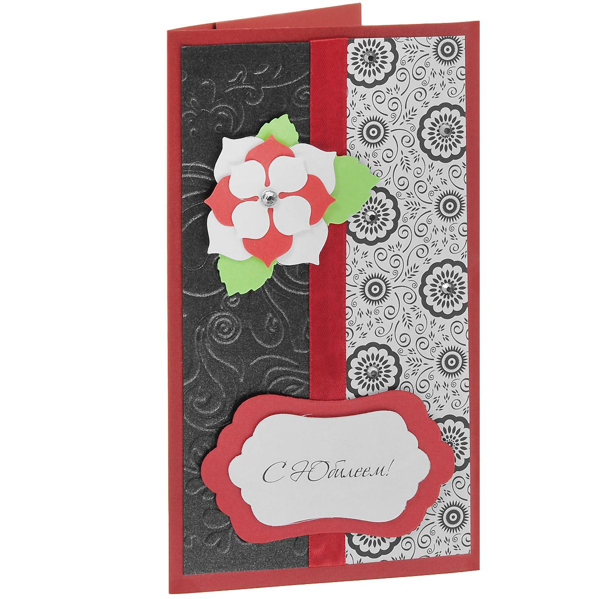 ОЮ-0002 Открытка-конверт «С Юбилеем!». Студия «Тётя Роза»Винтажные открытки №97Характеристики: Размер 19 см x 11 см. Материал: Высоко-художественный картон, бумага, декор. Данная открытка может стать как прекрасным дополнением к вашему подарку, так и самостоятельным подарком. Так как открытка является и конвертом, в который вы можете вложить ваш денежный подарок или просто написать ваши пожелания на вкладыше. Благородное и богатое поздравление к юбилейному событию сочетает в себе разно-фактурные материалы контрастных красно-белых и черных цветов. Сверкающие мелкие стразы эффектно дополняют роскошный стиль этого конверта. Также открытка упакована в пакетик для сохранности. Обращаем Ваше внимание на то, что открытка может незначительно отличаться от представленной на фото.