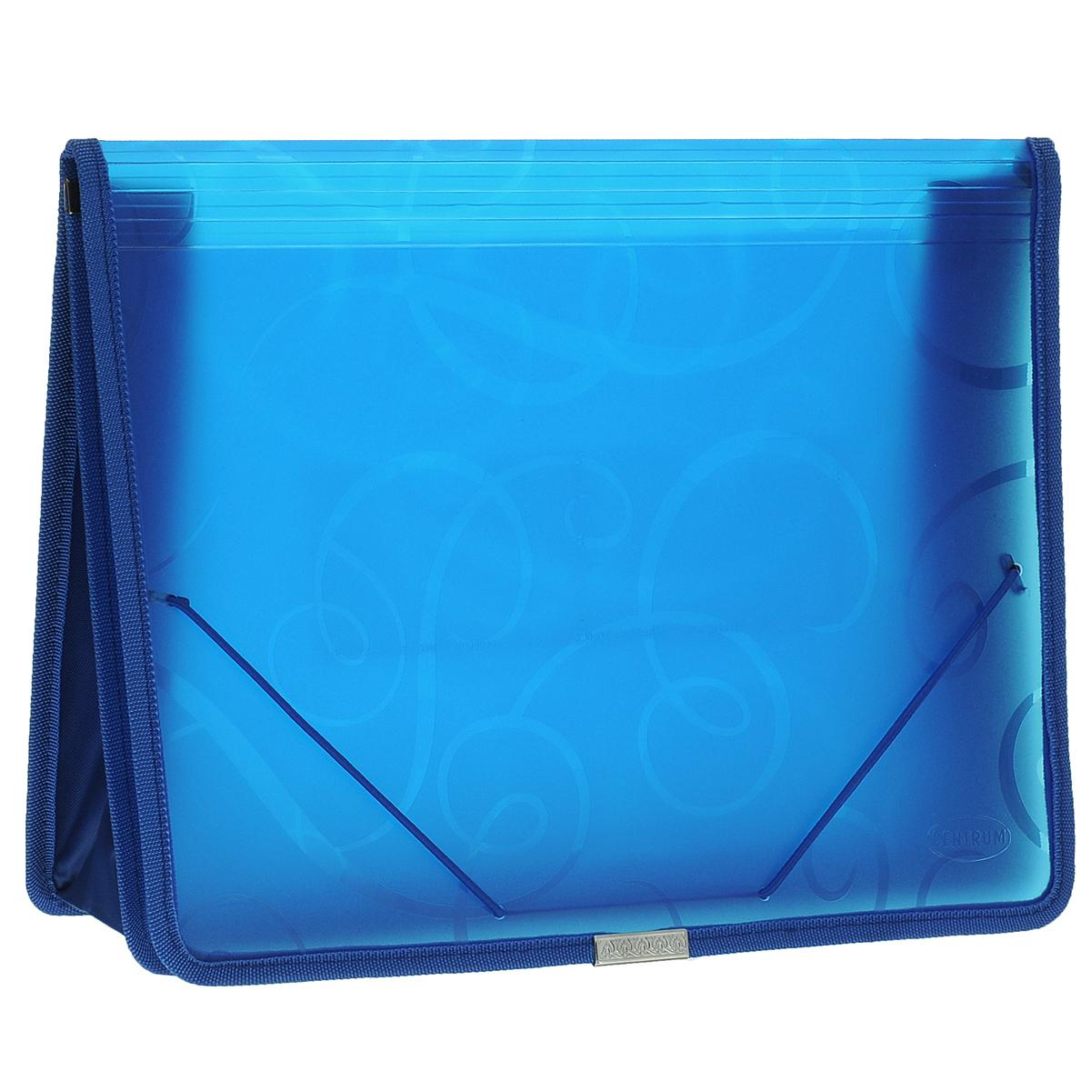 Папка-конверт на резинке Centrum, цвет: синий. Формат А4. 8080280802СПапка-конверт на резинке Centrum - это удобный и функциональный офисный инструмент, предназначенный для хранения и транспортировки рабочих бумаг и документов формата А4. Папка с двойной угловой фиксацией резиновой лентой изготовлена из износостойкого полупрозрачного полипропилена. Внутри папка имеет одно объемное отделение повышенной вместимости и 2 прозрачных открытых кармашка. Грани папки отделаны полиэстером, что обеспечивает дополнительную прочность и опрятный вид папки. Клапан украшен декоративным металлическим элементом. Папка оформлена тиснением в виде абстрактного орнамента. Папка - это незаменимый атрибут для студента, школьника, офисного работника. Такая папка надежно сохранит ваши документы и сбережет их от повреждений, пыли и влаги.