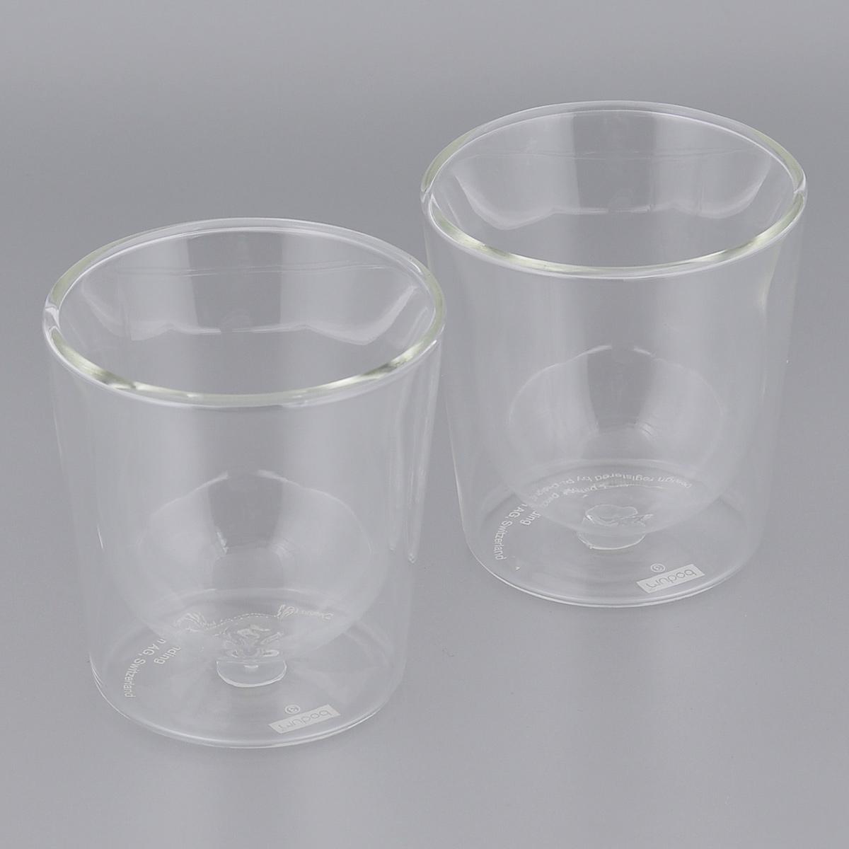 Набор термобокалов Bodum Skal, цвет: прозрачный, 0,2 л, 2 шт. 10593-1010593-10Набор Bodum Skal состоит из 2 термобокалов, изготовленных из боросиликатного стекла, отличающегося особой прочностью и жаростойкостью. Двуслойные стенки долго сохраняют тепло напитка. Благодаря своим неповторимым свойствам термобокалы Bodum можно мыть в посудомоечной машине, не опасаясь за их целостность даже при контакте с горячей водой. Не обрабатывать абразивными моющими средствами. Кредо Bodum - обеспечивать высокое качество жизни своих клиентов, и швейцарский бренд приготовил для вас нечто особенное! Используйте инновации Bodum каждый день и делайте свой быт комфортнее!
