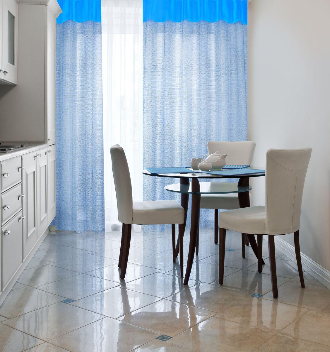 Штора Home Queen Бриз, на петлях, цвет: голубой, высота 250 см60538Яркая полупрозрачная штора в виде однотонной светло-голубой сетки с верхним широким бордюром из ярко-голубой тафты. Можно использовать как тюль или как основную штору. Способ крепления шторы - петли. 100% полиэстер