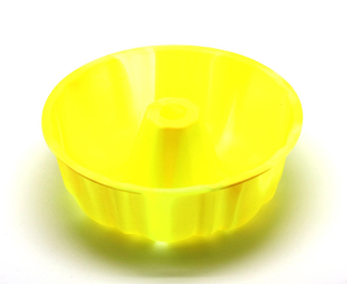 Форма для выпечки ШарлоткаSC-BK-002M-MСиликоновая форма для выпечки имеет много преимуществ по сравнению с традиционной металлической и алюминевой посудой. Она идеально подходит для использования в микроволновых, гаховых и электрических печах при температурах до +230°С. Благодаря гибкости и антипригарным свойствам изделия, ваша выпечка никогда не потеряет свой внешний вид. Форма займет на Вашей кухне минимум места, ее можно свернуть и убрать в шкаф, а при очередном использовании она примет первоначальный вид. Так же хотелось бы отметить, что силикон не вступает ни в какое химическое воздействие с окружающими материалами. Следовательно, Ваша пища, изготовленная в форме из силикона, никогда не будетсодержать посторонних примисей и неприятных запахов.