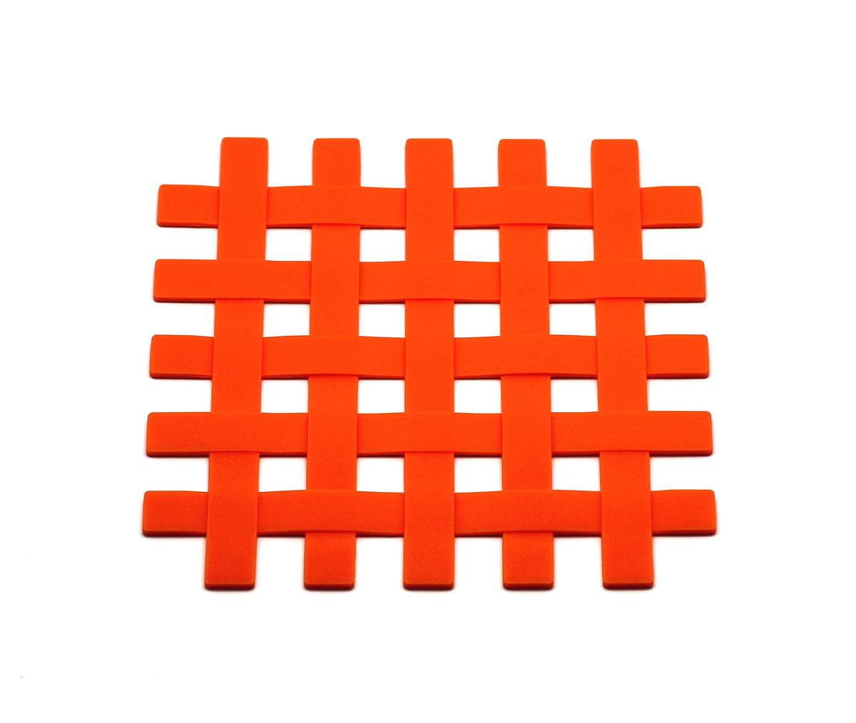 Подставка под горячее Atlantis Решетка, цвет: оранжевый, 17,5 см х 17,5 смSC-MT-012-OПодставка под горячее Atlantis Решетка изготовлена из высококачественного пищевого силикона. Выдерживает температуру до +230°С, не впитывает запахи и предохраняет поверхность вашего стола от высоких температур. Оригинальный дизайн внесет свежесть и новизну в интерьер вашей кухни. Подставка под горячее станет незаменимым помощником на кухне. Легко моется в посудомоечной машине.