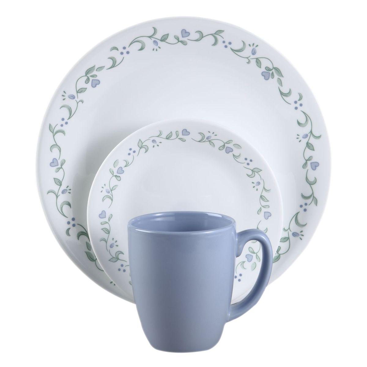 Набор посуды Country Cottage 16пр, цвет: белый с узором6022006Преимуществами посуды Corelle являются долговечность, красота и безопасность в использовании. Вся посуда Corelle изготавливается из высококачественного ударопрочного трехслойного стекла Vitrelle и украшена деколями американских и европейских дизайнеров. Рисунки не стираются и не царапаются, не теряют свою яркость на протяжении многих лет. Посуда Corelle не впитывает запахов и очень долгое время выглядит как новая. Уникальная эмаль, используемая во время декорирования, фактически становится единым целым с поверхностью стекла, что гарантирует долгое сохранение нанесенного рисунка. Еще одним из главных преимуществ посуды Corelle является ее безопасность. В производстве используются только безопасные для пищи пигменты эмали, при производстве посуды не применяется вредный для здоровья человека меламин. Изделия из материала Vitrelle:...