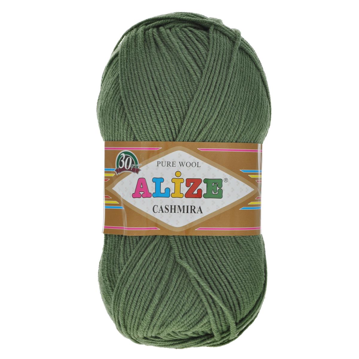 Пряжа для вязания Alize Cashmira, цвет: темно-зеленый (35), 300 м, 100 г, 5 шт364009_35Пряжа для вязания Alize Cashmira изготовлена из 100% шерсти. Пряжа упругая, эластичная, тёплая, уютная и не колется, что очень подходит для детей. Тоненькая нитка прекрасно подойдет для вязки демисезонных вещей. Пряжа легко распускается и перевязывается несколько раз, не деформируясь и не влияя на вид изделия. Натуральная шерстяная нить, обеспечивает изделию прекрасную форму. Рекомендуется ручная стирка при температуре 30 °C. Рекомендованные спицы № 3-5, крючок № 2-4.
