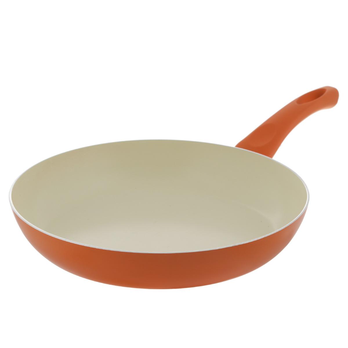 Сковорода Mayer & Boch, с керамическим покрытием, цвет: оранжевый. Диаметр 28 см. 2195821958Сковорода Mayer & Boch изготовлена из литого алюминия с керамическим покрытием. Сковорода предназначена для здорового и экологичного приготовления пищи. Пища не пригорает и не прилипает к стенкам. Абсолютно гладкая поверхность легко моется. Посуда экологически чистая, не содержит примеси ПФОК. Рукоятка специального дизайна, выполненная из бакелита с силиконовым покрытием, удобна и комфортна в эксплуатации. Внешнее цветное покрытие устойчиво к воздействию высоких температур. Можно использовать на газовых, электрических, керамических плитах. Не подходит для индукционных плит. Можно мыть в посудомоечной машине. Высота стенки: 5 см. Толщина стенки: 2,5 мм. Толщина дна: 3 мм. Длина ручки: 18 см.