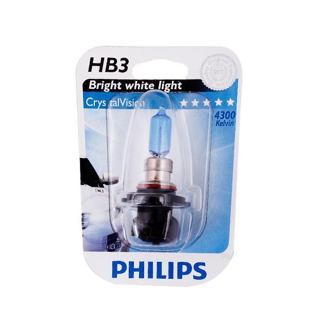 Лампа автомобильная галогенная Philips CrystalVision, для фар, цоколь HB3 (P20d), 12V, 65W9005CVB1 (бл.)Автомобильная галогенная лампа Philips CrystalVision произведена из запатентованного кварцевого стекла с УФ-фильтром Philips Quartz Glass. Кварцевое стекло Philips с УФ фильтром в отличие от обычного твердого стекла выдерживает гораздо большее давление смеси газов внутри колбы, что препятствует быстрому испарению вольфрама с нити накаливания. Кварцевое стекло выдерживает большой перепад температур, при попадании влаги на работающую лампу изделие не взрывается и продолжает работать. Лампы Philips CrystalVision имеют мощный белый свет с цветовой температурой 4300К. Разработаны для водителей, которым необходимо яркое освещение на дороге и важен индивидуальный стиль. Автомобильные галогенные лампы Philips удовлетворят все нужды автомобилистов: дальний свет, ближний свет, передние противотуманные фары, передние и боковые указатели поворота, задние указатели поворота, стоп-сигналы, фонари заднего хода, задние противотуманные фонари, освещение номерного знака, задние...