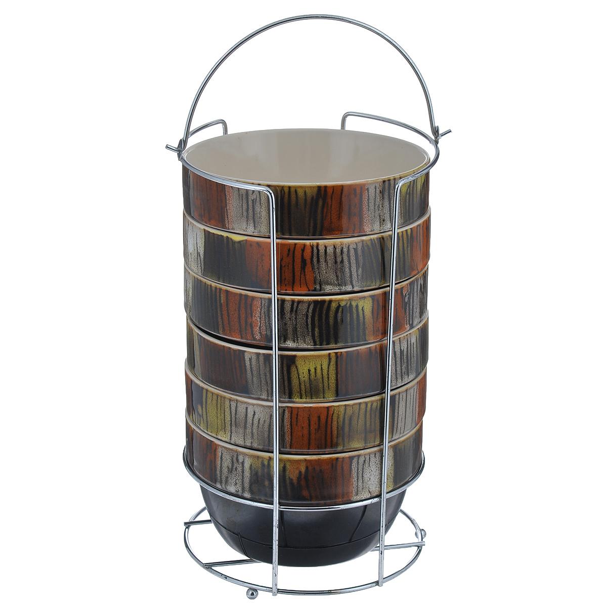 Набор пиал Bekker, 750 мл, 7 предметовBK-7367Набор Bekker состоит из 6 пиал и подставки. Пиалы выполнены из высококачественной жаропрочной керамики, покрытой блестящей глазурью без примесей кадмия и свинца. Внешние стенки коричневого цвета оформлены оригинальным орнаментом. Пиалы очень вместительны, их можно использовать для подачи супа, каш, хлопьев и т.д, а также в качестве салатников. В комплекте имеется специальная металлическая подставка с хромированной поверхностью. Для удобства переноски на подставке предусмотрена ручка. Пиалы подходят для использования в микроволновой печи, духовом шкафу. Также изделия можно чистить в посудомоечной машине.