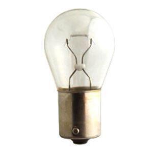 Лампа автомобильная галогенная сигнальная Philips VisionPlus, цоколь BAY15d, 12V, 21/5W, 2 шт12499B2 (бл.)Автомобильная лампа Philips VisionPlus изготовлена из запатентованного кварцевого стекла с УФ-фильтром Philips Quartz Glass. Кварцевое стекло в отличие от обычного стекла выдерживает гораздо большее давление и больший перепад температур. При попадании влаги на работающую лампу, лампа не взрывается и продолжает работать. Лампа Philips VisionPlus производит на 60% больше света по сравнению со стандартной лампой, благодаря чему стоп-сигналы или указатели поворота будут заметны с большего расстояния. Применение лампы: - передний указатель поворота; - задний указатель поворота; - фонарь подсветки государственного регистрационного знака; - задний противотуманный фонарь; - габаритный фонарь/стояночный фонарь; - стоп-сигнал; - дневные ходовые огни; - задний фонарь. Лампа Philips VisionPlus отличается высокой эффективностью, соответствуя всем современным требованиям.