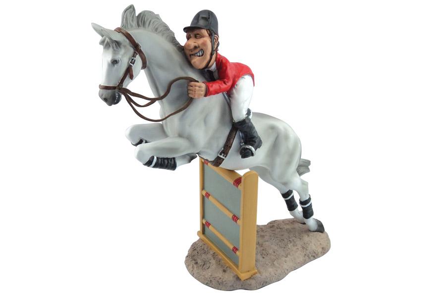 Статуэтка Comical World Конкур, высота 23 смCW-WD99181-ALОригинальная декоративная статуэтка Comical World Конкур выполнена из полистоуна в виде забавного человечка на лошади, участвующих в конных соревнованиях. Такая статуэтка - отличный вариант для подарка вашим близким и друзьям. Если вы любите яркие, эксклюзивные вещицы, если вы неравнодушны к комиксам и если у вас отличное чувство юмора, то вам непременно понравятся статуэтки Comical World!.