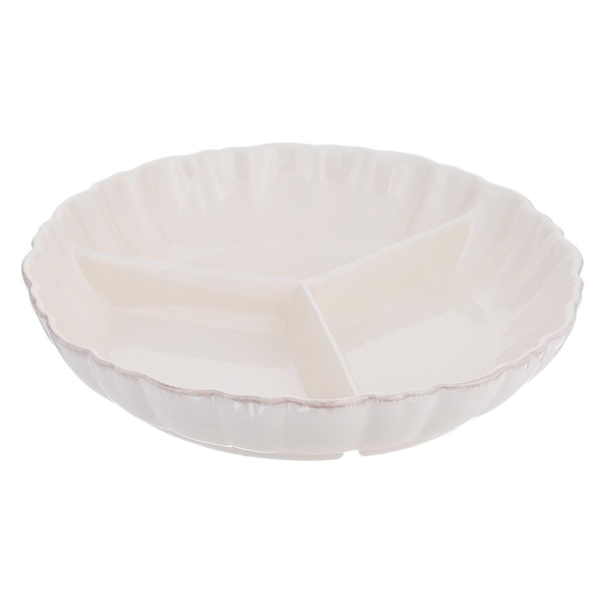 Менажница Lillo Ideal, цвет: молочный, 3 секции. 214948214948Изящная менажница Lillo Ideal, выполненная из керамики, состоит из трех секций. Изделие оснащено рельефными волнистыми стенками. Некоторые блюда можно подавать только в менажнице, чтобы не произошло смешение вкусовых оттенков гарниров. Также менажница может быть использована в качестве посуды для нескольких видов салатов или закусок. Менажница Lillo Ideal станет замечательной деталью сервировки и великолепным украшением праздничного стола. Можно использовать в посудомоечной машине и микроволновой печи. Диаметр менажницы: 23 см. Размер секции менажницы: 17 см х 11 см. Высота стенки менажницы: 4,5 см.