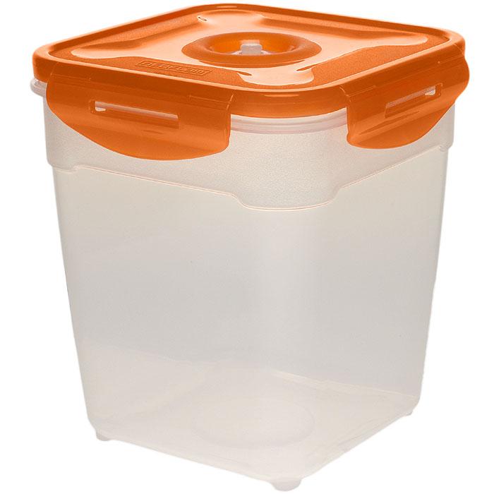 Контейнер вакуумный для пищевых продуктов Atlantis, цвет: оранжевый, 2,5 лVS2R-53Контейнер Atlantis квадратной формы предназначен для хранения пищевых продуктов. Контейнер изготовлен из пищевого пластика, в состав которого включена антибактериальная добавка Microban. Microban, встроенный в структуру пластика, препятствует размножению микроорганизмов, уничтожает до 99,6% бактерий, находящихся на поверхности изделия. Сила межмолекулярных связей внутри полимера удерживает антисептик на поверхности и он не распространяется в сохраняемый продукт. Добавка Microban не изменяет вкусовых свойств хранимых в контейнере продуктов, препятствует размножению болезнетворных бактерий, сохраняет антибактериальные свойства в течение всего срока использования контейнера. Продукты сохраняются свежими дольше, чем в обычных контейнерах. Позволяет предотвратить загрязнение и неприятный запах, вызываемый бактериями, грибком и плесенью. Контейнер оснащен крышкой, которая благодаря четырем крепежным элементам - защелкам плотно прилегает к емкости. ...