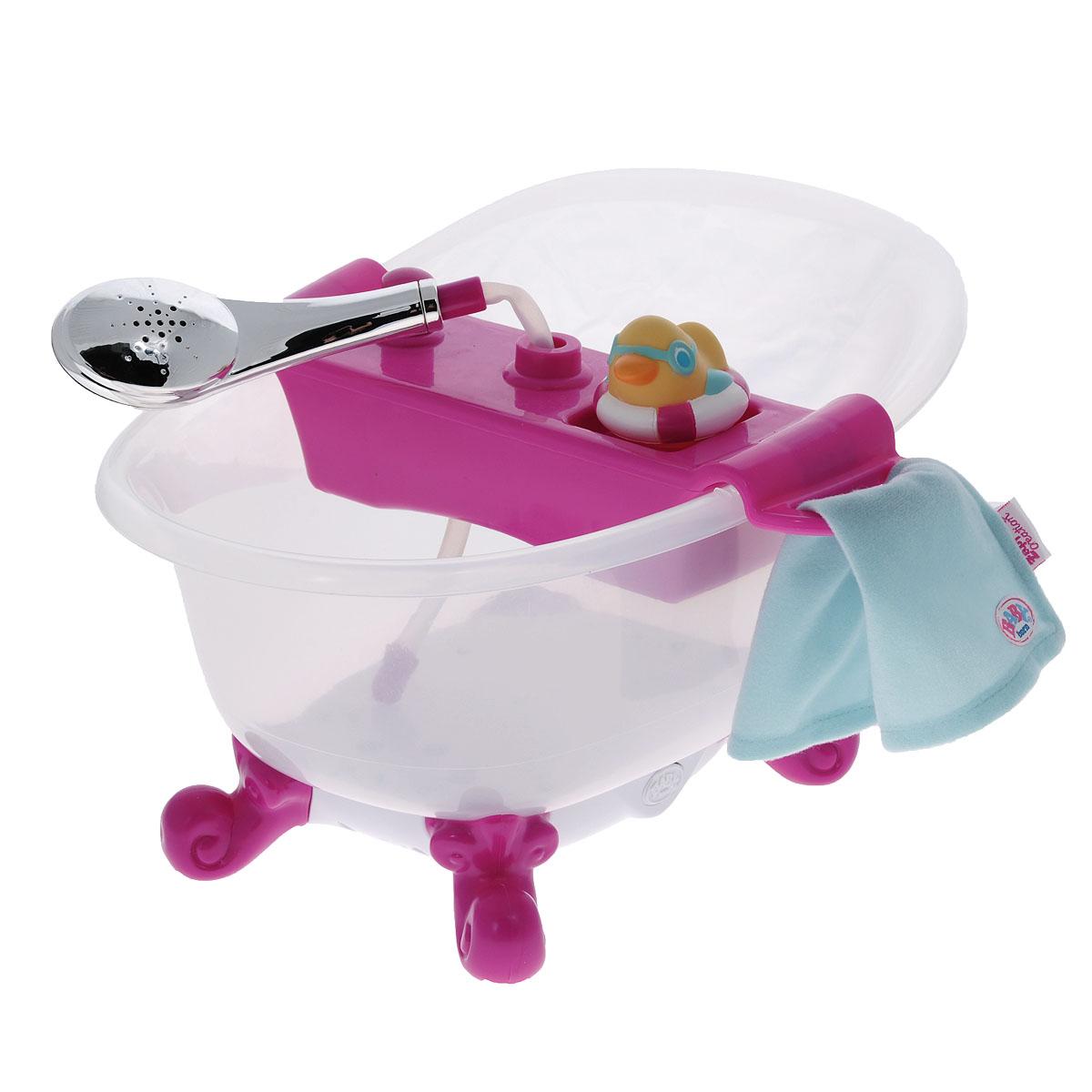 Baby Born Интерактивная игрушка Ванна818-183Интерактивная игрушка Baby Born Ванна, выполненная из безопасного пластика, непременно привлечет внимание вашей малышки. Ванна предназначена для купания кукол Baby Born и выглядит почти как настоящая. В комплект входит полочка с душем, мягкое полотенце для куклы и резиновая уточка для купания. Полочка закрепляется на ванне, при нажатии кнопки вода из ванны начнет поступать в душ. Ванна оснащена удобными ножками, обеспечивающими необходимую устойчивость. В нижней части ванны расположена кнопка, при нажатии на которую включится подсветка, и на дне ванны замигают разноцветные огоньки, а также зазвучит веселый смех и плеск воды. Интерактивная игрушка Baby Born Ванна поможет вашей малышке почувствовать себя мамой, приучающей своего ребенка к гигиене. Порадуйте ее таким замечательным подарком! Рекомендуется докупить 3 батареи типа АА (товар комплектуется демонстрационными).