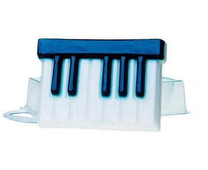 Форма для литья Клавиши, пластиковая, 9 х 6,5 х 2 см2700770021608Форма для литья Клавиши изготовлена из прозрачного пластика. При помощи этой прозрачной формы для литья можно самостоятельно изготовить мыло, а также оригинальную свечу для украшения праздничного стола и интерьера.