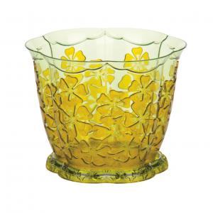 Горшок для орхидей Камелия, с поддоном, цвет: желтый, 1,5 л, диаметр 15,5 смМ2214Цветочный горшок Альтернатива Камелия выполнен из пластика и предназначен для выращивания в нем орхидей. Изделие декорировано рельефным цветочным рисунком. Такой горшок порадует вас современным дизайном и функциональностью, а также оригинально украсит интерьер помещения. К горшку прилагается поддон. Объем горшка: 1,5 л. Диаметр горшка (по верхнему краю): 15,5 см.