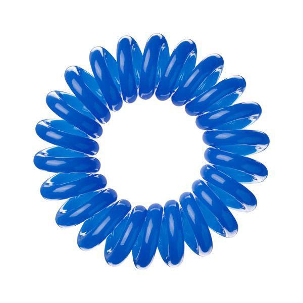 Invisibobble Резинка-браслет для волос Navy Blue, 3 шт3003Столь необычная форма браслетов-резинок Invisibobble дает множество преимуществ. Резинка не оставляет заломов на волосах. При длительном ношении, например целый день, снимая резинку вы не почувствуете усталость волос. Оригинально смотрится на волосах. Отлично сохраняет свою форму и надежно фиксирует прическу. Не мокнет. Не травмируют волосы, в отличии от обычных резинок, нет трения, зажимов отдельных волосков или прядей. Подходят как для любого типа волос, так и не имеют ограничений по возрасту. Вам понравятся яркие цвета, а так же их можно использовать как стильные браслеты. Товар сертифицирован.