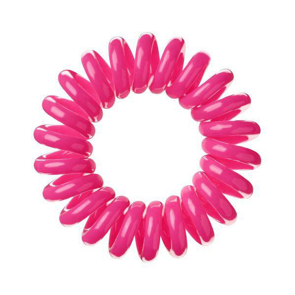 Invisibobble Резинка-браслет для волос Candy Pink, 3 шт3008Столь необычная форма браслетов-резинок Invisibobble дает множество преимуществ. Резинка не оставляет заломов на волосах. При длительном ношении, например целый день, снимая резинку вы не почувствуете усталость волос. Оригинально смотрится на волосах. Отлично сохраняет свою форму и надежно фиксирует прическу. Не мокнет. Не травмируют волосы, в отличии от обычных резинок, нет трения, зажимов отдельных волосков или прядей. Подходят как для любого типа волос, так и не имеют ограничений по возрасту. Вам понравятся яркие цвета, а так же их можно использовать как стильные браслеты. Товар сертифицирован.