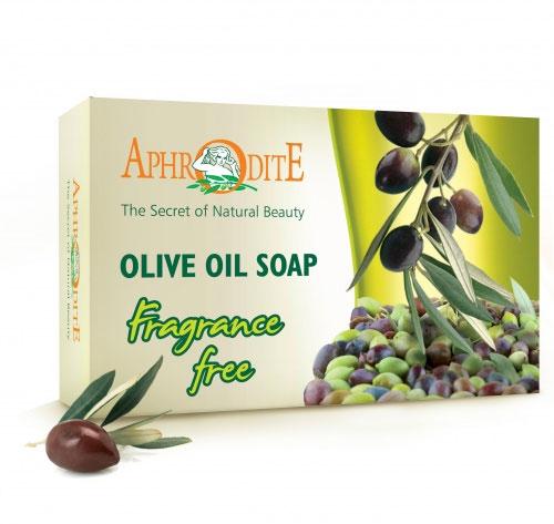 Aphrodite Мыло оливковое (натуральное), 100 гZ-70Натуральное мыло благодаря высокому содержанию органического оливкового масла в составе (до 90%): сохраняет природный уровень увлажнения кожи, не нарушает липидный барьер, угнетает рост болезнетворных бактерий и грибков. При регулярном применении оливковое мыло ТМ AphrOditE существенно увлажняет и питает кожу, содержит витамин Е и антиоксиданты. Витамин Е помогает организму лучше усваивать витамины А, D, К и препятствует увяданию клеток. Это классический вариант натурального греческого оливкового мыла. Он содержит минимум компонентов и является наиболее гипоаллергенным. Можно использовать для чувствительной и проблемной кожи. Рекомендовано для ежедневного ухода для всех типов кожи, для кожи склонной к аллергии, для детской кожи, для увядающей кожи, для кожи пораженной псориазом или экземой.