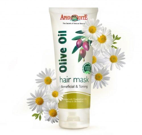 Aphrodite Маска для волос с ромашкой, 200 млZ-15Для всех типов волос. Содержит органическое оливковое масло, мед, ромашку, соевое масло и биотин, пшеницу и протеины шелка. Маска для волос на основе органического оливкового масла активно питает кожу головы и волосы. Соевое масло питает и увлажняет кожу, помогает ей удерживать влагу и создаёт на её поверхности защитный барьер. Мед активное средство для укрепления и восстановления волос, возвращает волосам природный блеск. Биотин оказывает регулирующее действие на активность сальных желез, уменьшает проявления экземы, себореи и дерматита, предохраняет волосы от ранней седины и выпадения, оказывает противовоспалительное действие.