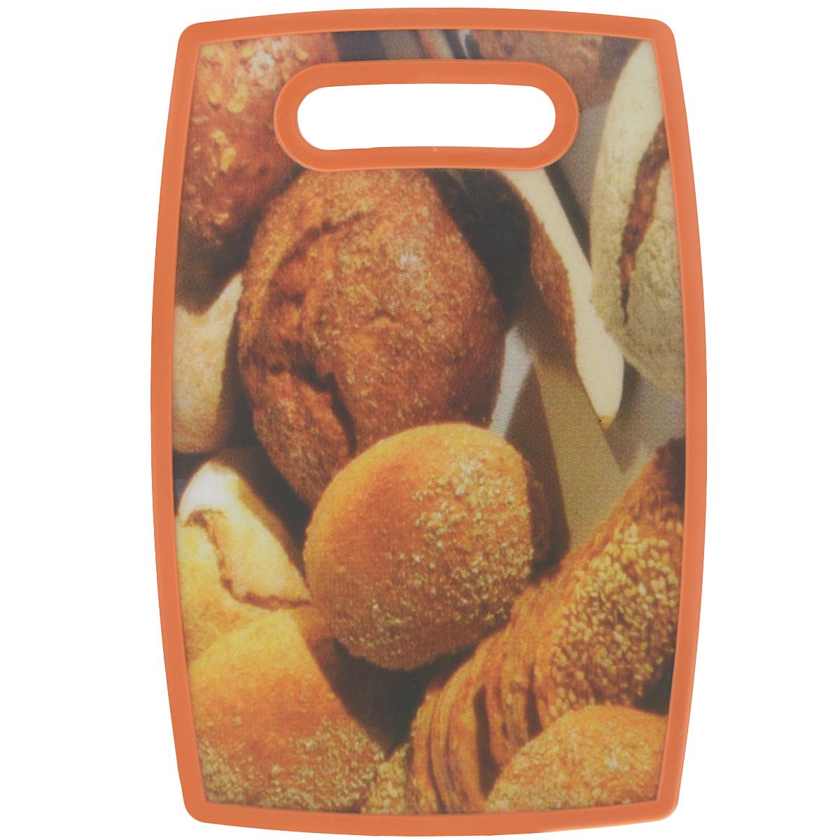 Доска разделочная LaraCook Хлеб, 20 х 30 смLC-1112Доска разделочная LaraCook Хлеб, изготовленная из устойчивого к истиранию пластика, займет достойное место среди аксессуаров на вашей кухне. С одной стороны доска имеет однотонное пластиковое покрытие, а с другой декорирована изображением хлеба. Доска имеет высокий коэффициент жесткости и прекрасно подойдет для нарезки любых продуктов. Устойчива к деформации и высоким температурам. Можно мыть в посудомоечной машине.